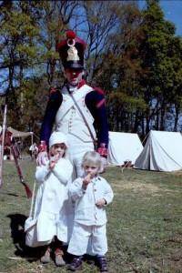 Bild 4 - Grenadier Taside mit seinen Kindern Tabea und Jerome