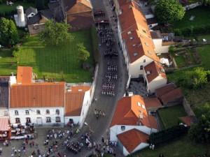 Abschnitt 3 Bild 1 - Anmarsch der 8eme durch den Ort Plancenoit