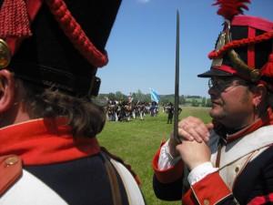 Bild 24 - Der Caporal schaut sich die feindlichen Truppen an.