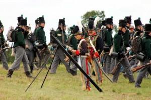 Bild 12 - Die Briten setzen dazu noch Raketen ein