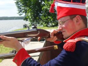 Bild 6 - Rekrut Boucher gibt seine ersten Schüsse ab.