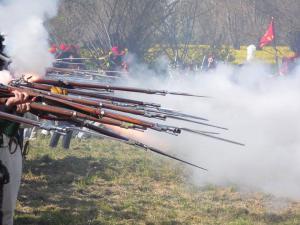 Bild 24 - Unsere Infanterie im Feuergefecht.