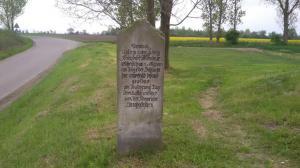 Bild 3 - Ein Gedenkstein. Hier hat sich der preussische König Friedrich Wilhelm III. am 2. Mai 1813 während der Schlacht sich aufgehalten.
