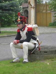 Bild 6D - Grenadier Jean Francois ist traurig. Wo ist bloß der der Wein....
