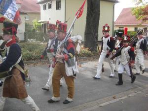 Bild 20 - Nun heisst es marschieren.
