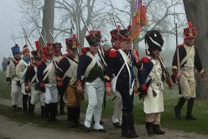 Bild 12 - Ausmarsch zum Denkmal.