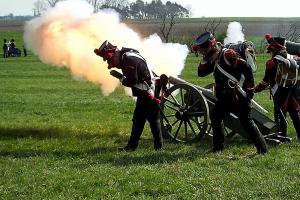 Bild 19 - Unsere Artillerie eröffnet den Tanz.