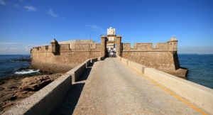 Festung San Sebastian Quelle httpwww.andalusien360.deurlaub-reisensehenswuerdigkeitenburg-castillo-de-san-sebastian-in-cadiz