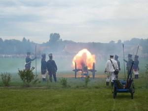 Bild 6 - Die preussiche Artillerie eröffnet das Feuer