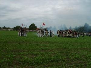 Bild 9C - In der üblichen Weise rückt unsere Infanterie in der Kolonne vor!