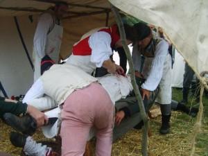 Bild 12 C - Da kommen die ersten Verwundeten...