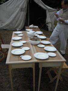 Bild 6 - Der Tisch wird gedeckt...