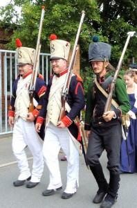 Bild 3 Die 8eme marschiert frohes Mutes