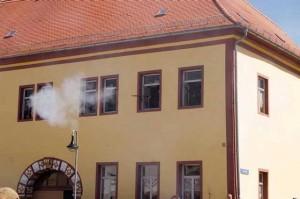 Bild 19 - Der Gegner hat sich auch in den Häusern verschanzt