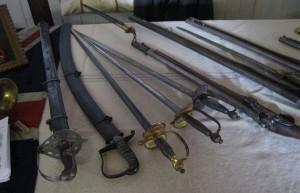 Bild 12 - Waffen aus der damaligen Zeit