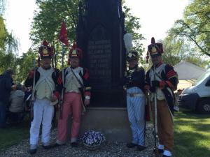 Bild 33 - Am Denkmal der Schlacht von Lützen mit unserem Chef de Bataillon