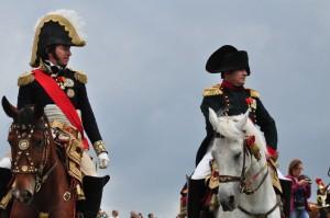 Bild 14 - Und das ist er auch schon. Der Kaiser und sein Marschall Ney inspizieren die Truppen.