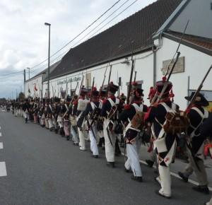 Bild 22 - Wir marschieren an einem Gasthof vorbei. Er heisst La Belle Alliance