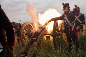 Bild 33 - Unsere  Artillerie eröffnet den Tanz
