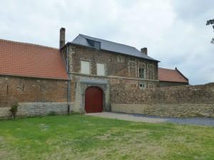 Bild 41 - Diese Gebäude sollen wir einnehmen. Es nennt sich Hougoumont. Merkwürdiger Name.