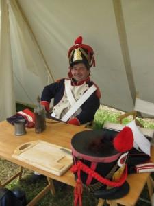 Bild 04 - Grenadier Jean Paul hat gut lachen. Sein Dienst beginnt später.