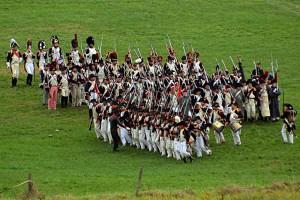 Bild-09a---Vor-der-kommenden-Schlacht-exerzieren-wir-fleissig-im-Bataillon-(Quelle-norbert-weise