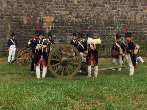 Bild 09 - Die Artillerie geht in Stellung!