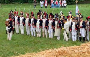 Bild 22 - Die Truppen formieren sich zum Angriff.