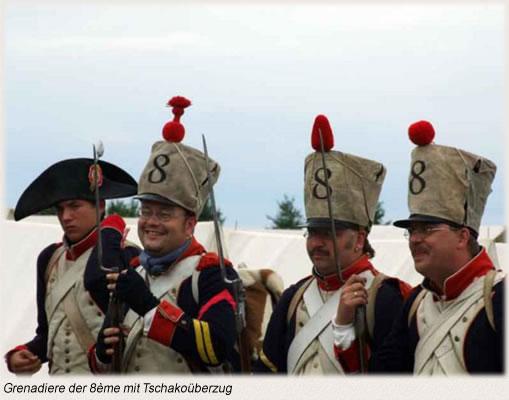 Grenadiere der 8ème mit Tschakoüberzug